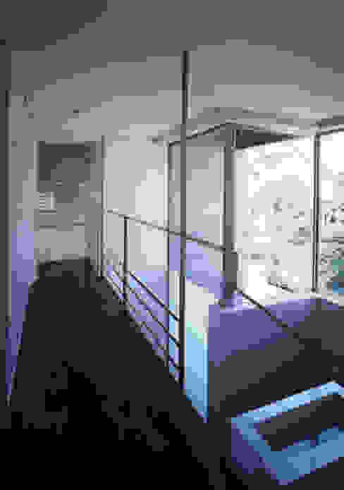 ひばりが丘、ギャラリーを意識した住まい、杉板化粧型枠コンクリート打ち放し外壁 JWA,Jun Watanabe & Associates 階段