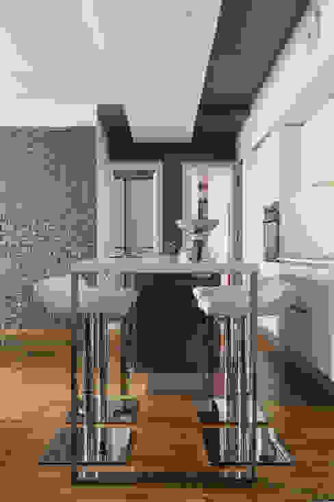 CAFFARELLA Cucina moderna di a2 Studio Borgia - Romagnolo architetti Moderno