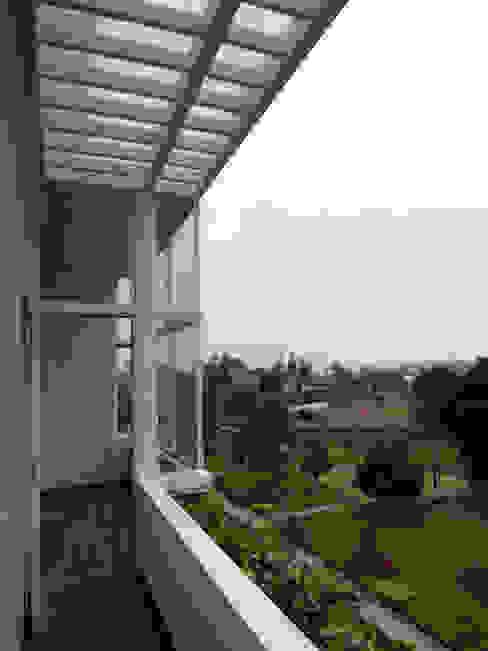Penthouse Barranco Balcones y terrazas modernos de Artem arquitectura Moderno