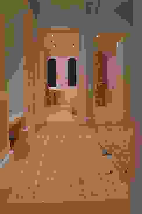 Gast Ankleide:  Ankleidezimmer von Meyerfeldt Architektur & Innenarchitektur im Raum Hamburg,Landhaus