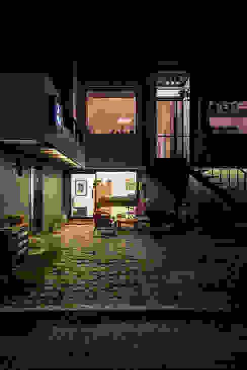 by 쿠나도시건축연구소,