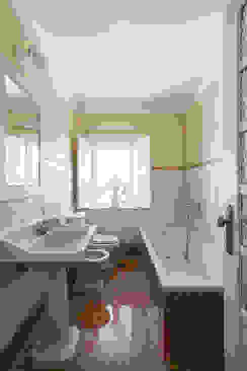 Casa de Banho Casas de banho campestres por Estúdio AMATAM Campestre