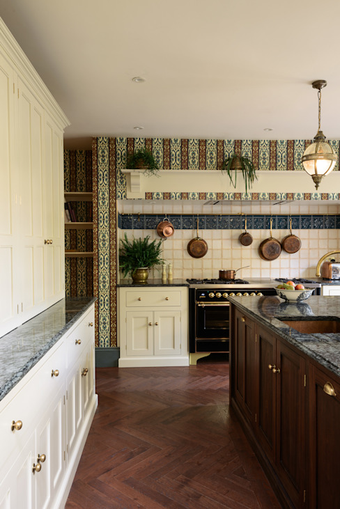 The House of Hackney Kitchen by deVOL deVOL Kitchens Kitchen Solid Wood Multicolored