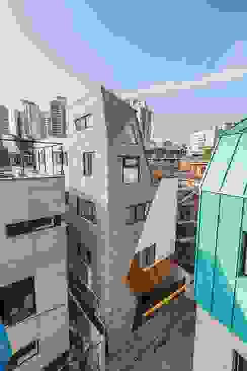 Rumah by 오파드 건축연구소