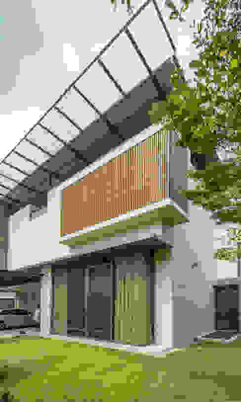 Front Elevation - right side MJ Kanny Architect Modern houses