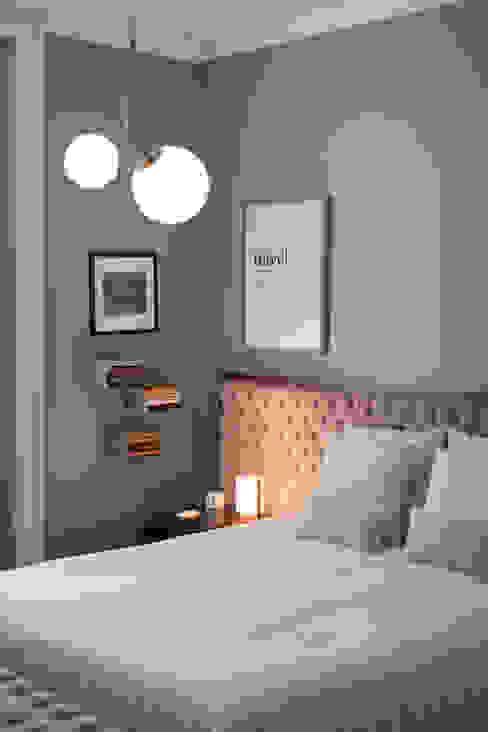 Quarto casal - vivenda em S. Mamede - Projeto de interiores Shi Studio - Matosinhos, Porto ShiStudio Interior Design Quartos escandinavos