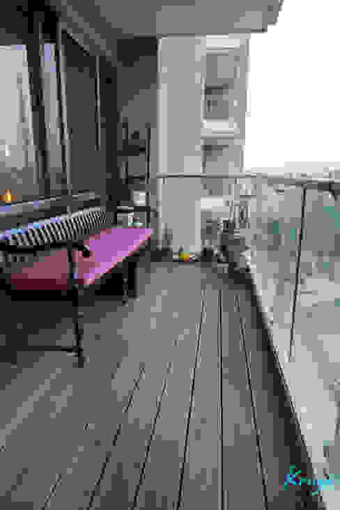 3 BHK Apartment - Raheja Pebble Bay Modern living room by KRIYA LIVING Modern