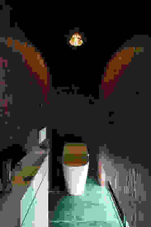 トイレ SQOOL一級建築士事務所 ミニマルスタイルの お風呂・バスルーム