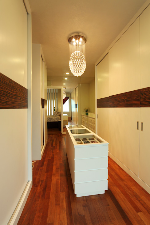 Dressing room by Hatch Interior Studio Sdn Bhd