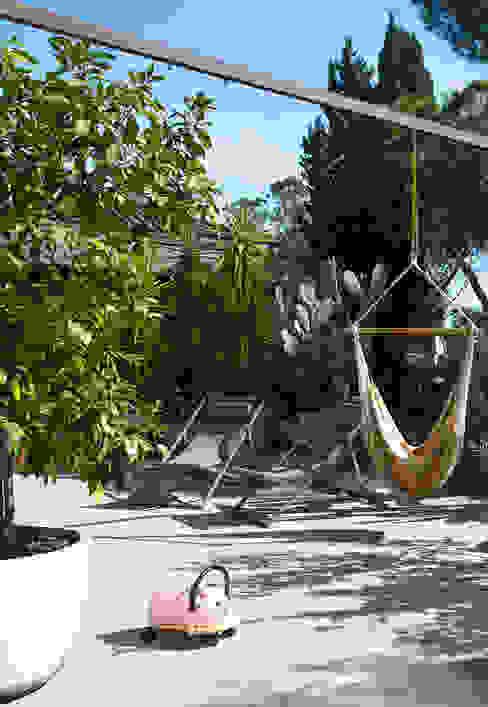 Mia House Arabella Rocca Architettura e Design Balcone, Veranda & Terrazza in stile moderno