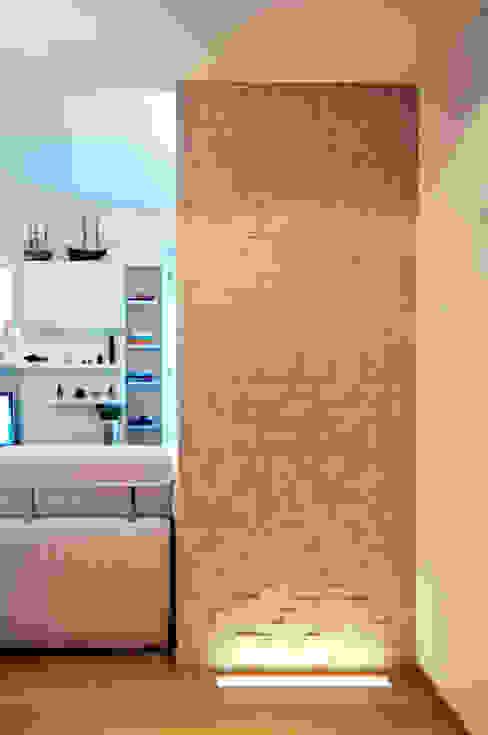 Open living Milano Tamara Gerosa Ingresso, Corridoio & Scale in stile moderno Pietra Beige