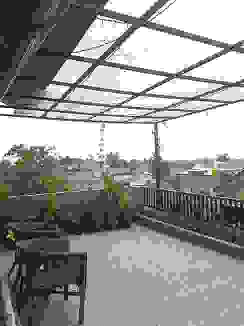 Area Terbukai Rooftop:  Teras by FIANO INTERIOR