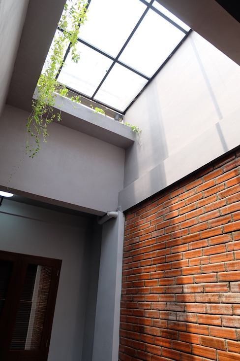 Atap Jendela Rumah Modern Oleh homify Modern