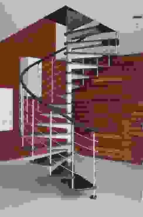 Escalera en caracol modelo NUEVA YORK HELIKA Scale Escaleras Madera Multicolor