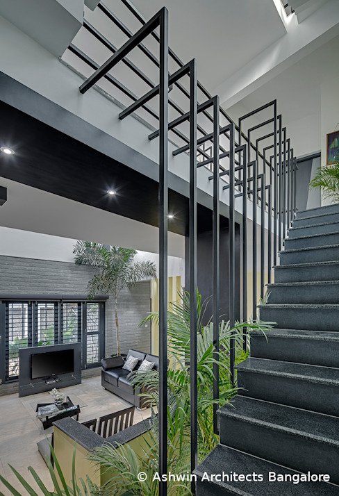 Staircase by Ashwin Architects In Bangalore Modern