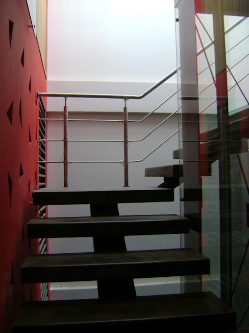 Escalera de homify Industrial Metal