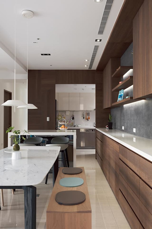 Fertility Design 豐聚空間設計 Built-in kitchens Wood-Plastic Composite Brown