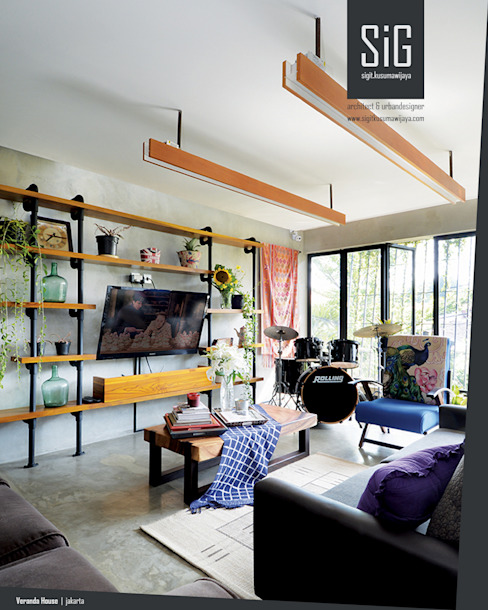 sigit.kusumawijaya | architect & urbandesigner Living room Iron/Steel Grey