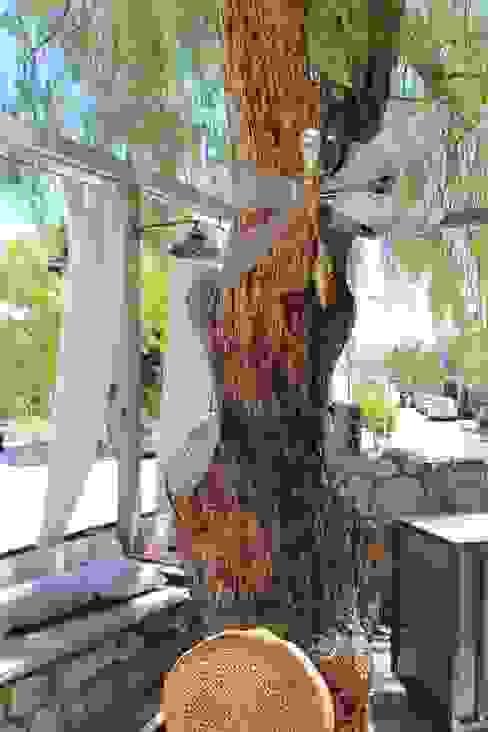 Open Air Bar Vườn phong cách nhiệt đới bởi Orkun İndere Interiors Nhiệt đới