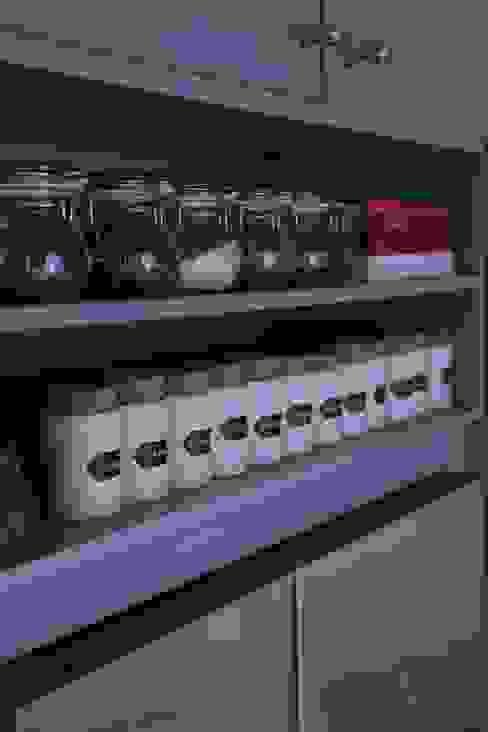 custom made kitchen storage violet von Ivy's Design - Interior Designer aus Berlin Modern Holz Holznachbildung
