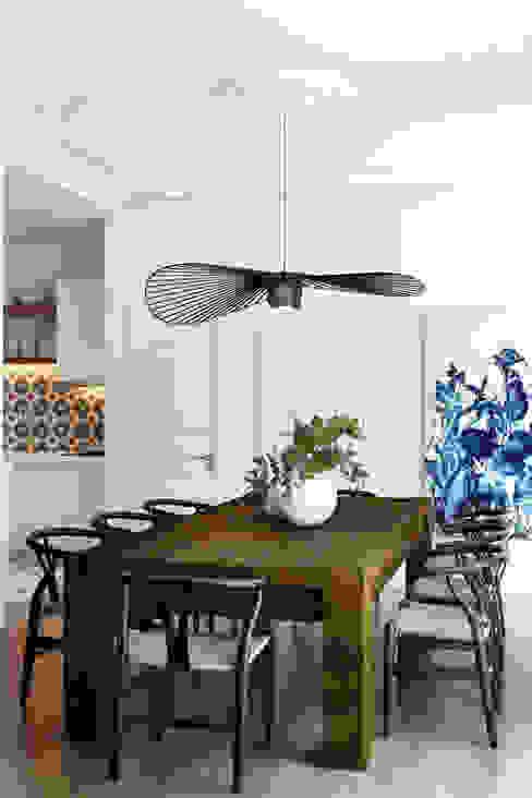 Rua da Saudade - Lisbon Salas de jantar ecléticas por DZINE & CO, Arquitectura e Design de Interiores Eclético