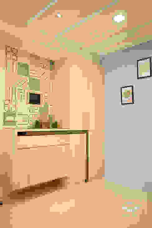 Comedores eclécticos de 酒窩設計 Dimple Interior Design Ecléctico Azulejos