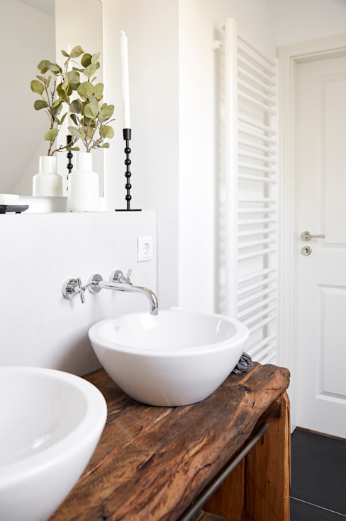 Banovo GmbH Country style bathroom Solid Wood Brown