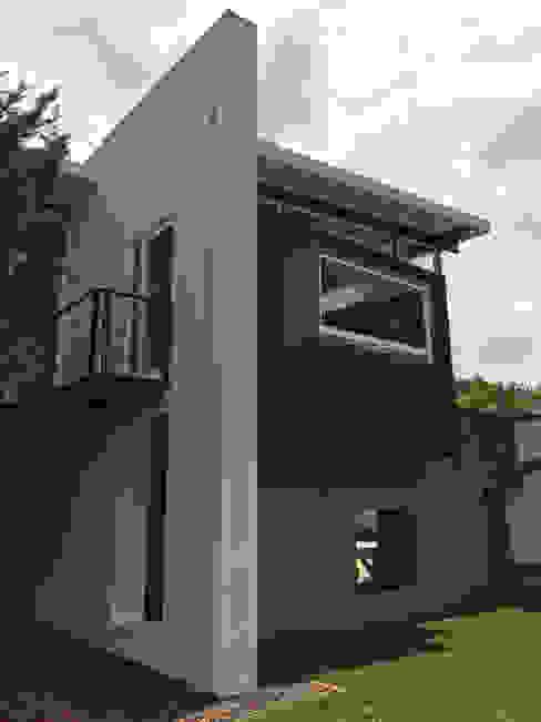Puertas y ventanas modernas de Novhus Oficina de Arquitectura Moderno