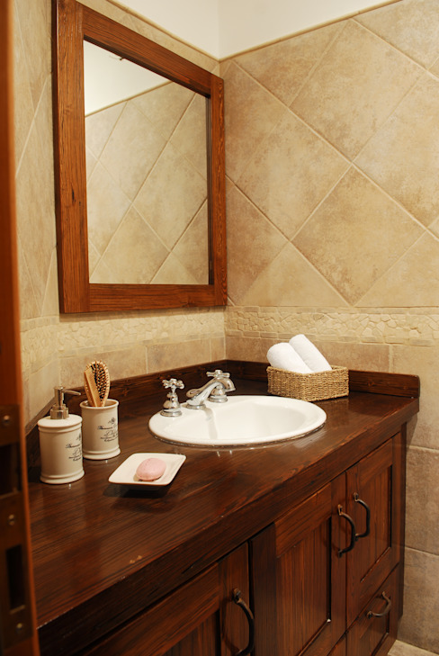 Classic style bathroom by CIBA ARQUITECTURA Classic