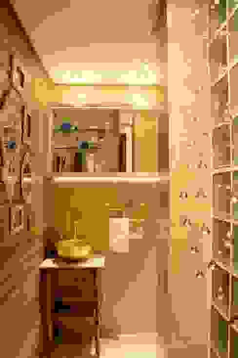 arquiteta aclaene de mello Rustic style bathroom Wood Beige