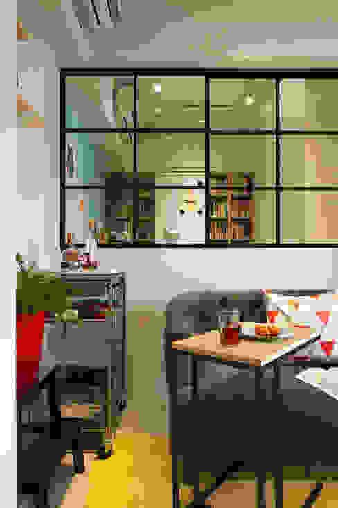 Salones de estilo escandinavo de 一葉藍朵設計家飾所 A Lentil Design Escandinavo