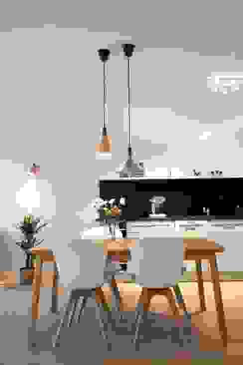 Salle à manger scandinave par Baltic Design Shop Scandinave