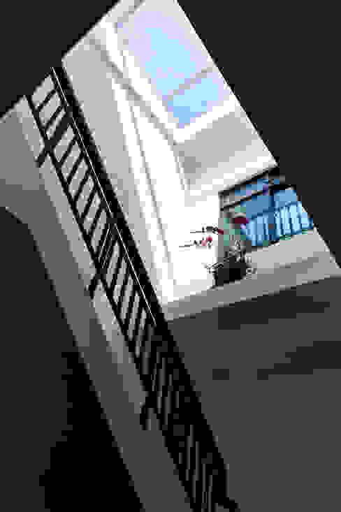 天井 by 瑞瑩室內裝修設計工程有限公司 Minimalist