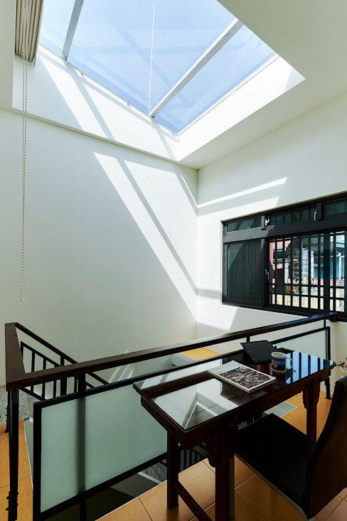 Minimalist Koridor, Hol & Merdivenler 瑞瑩室內裝修設計工程有限公司 Minimalist