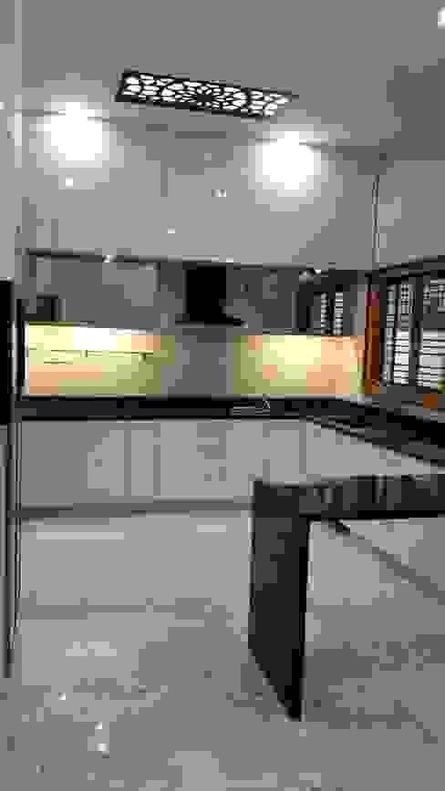 Кухонные блоки в . Автор – Geometrixs Architects & Engineers