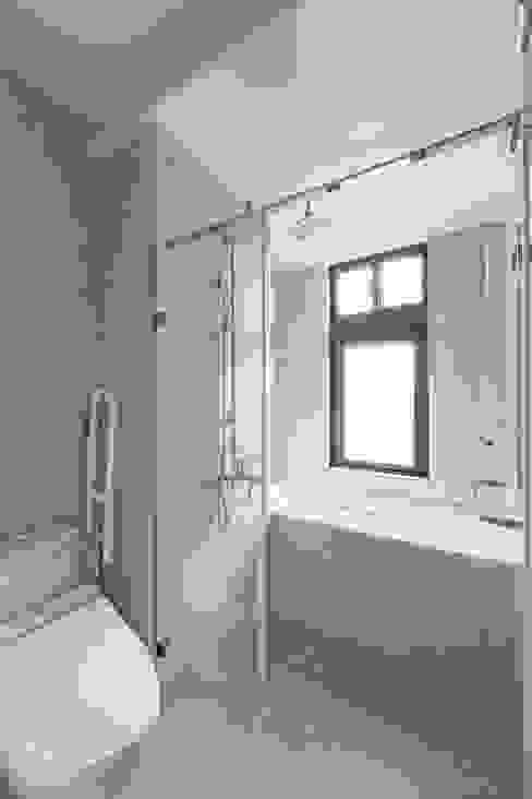 五彩法式 現代浴室設計點子、靈感&圖片 根據 文儀室內裝修設計有限公司 現代風
