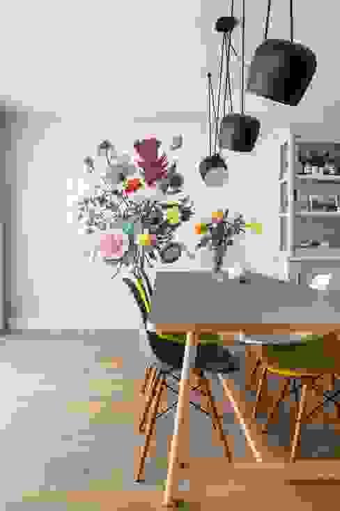 Interieurontwerp door Studio Binnen homify Scandinavische eetkamers