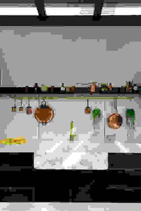 deVOL Kitchens Кухня Масив Чорний