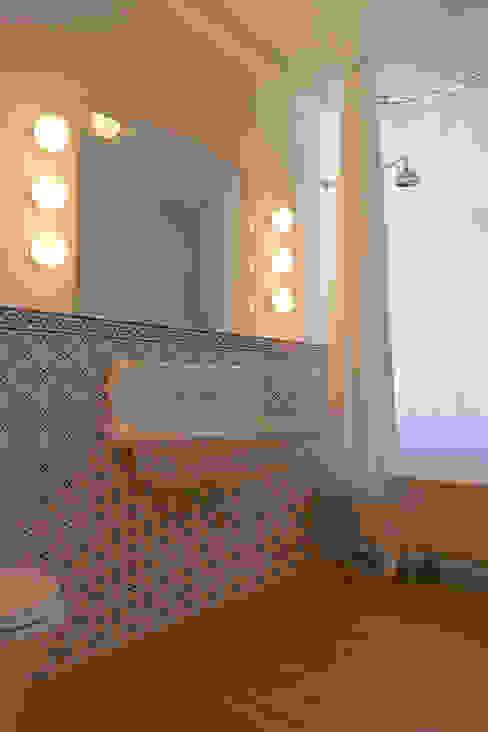 Badgestaltung Lena Klanten Architektin Koloniale Badezimmer Fliesen Blau