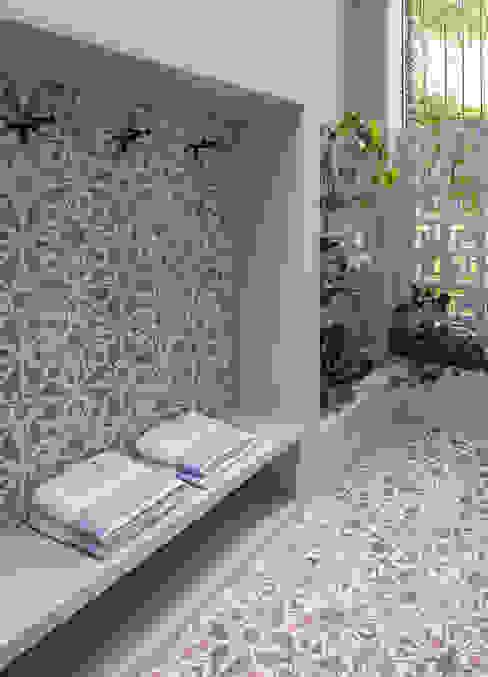 Modern bathroom by NOAH Proyectos SAS Modern Tiles