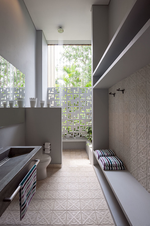 Bathroom by NOAH Proyectos SAS, Minimalist Concrete