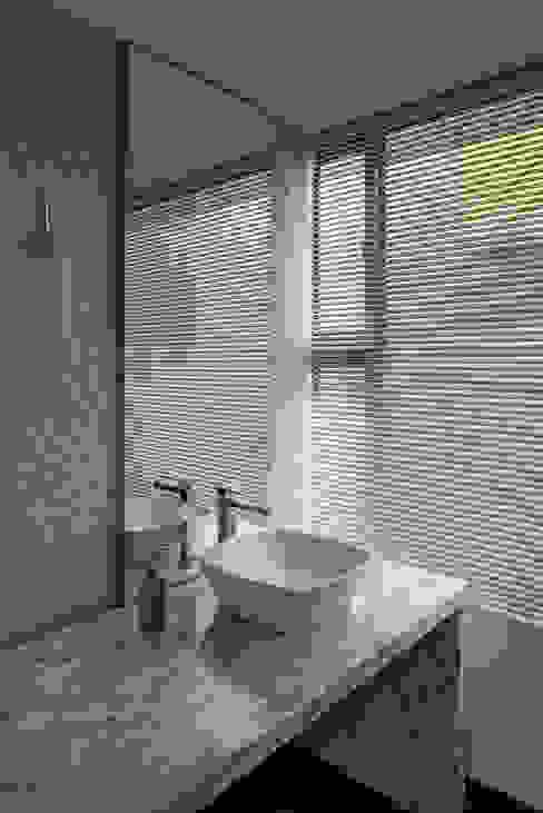 Salle de bains de style  par NOAH Proyectos SAS,