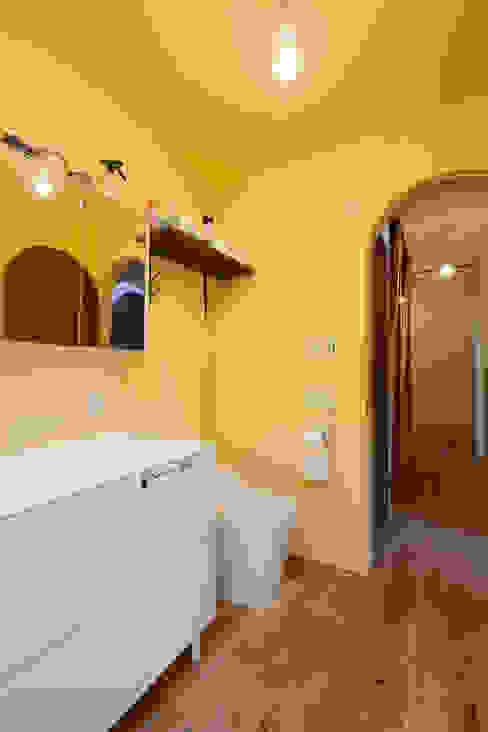 洗面.トイレ 一級建築士事務所 Coo Planning モダンスタイルの お風呂 無垢材 ブラウン