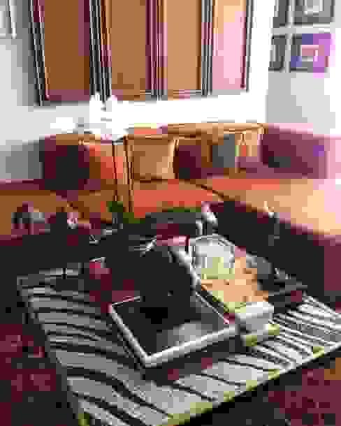 Ruang Keluarga Gaya Eklektik Oleh Pancho R. Ochoa Interiorismo Eklektik Perunggu