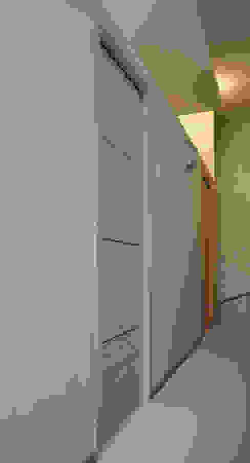 de Studio Forma Moderno Madera Acabado en madera