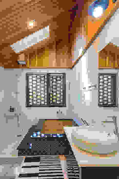 Salle de bains de style  par 바이제로,