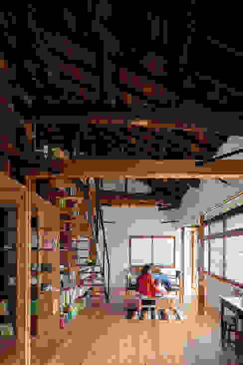 神戸大倉山の家 北欧デザインの ダイニング の エイチ・アンド一級建築士事務所 H& Architects & Associates 北欧 木 木目調