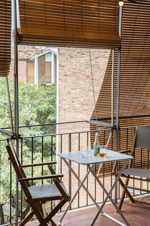 Hiên, sân thượng phong cách Địa Trung Hải bởi Bloomint design Địa Trung Hải