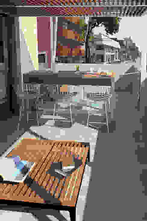 Vista Terraza Balcones y terrazas modernos de homify Moderno