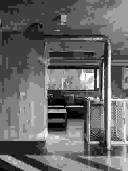 關西杜宅 现代客厅設計點子、靈感 & 圖片 根據 形構設計 Morpho-Design 現代風
